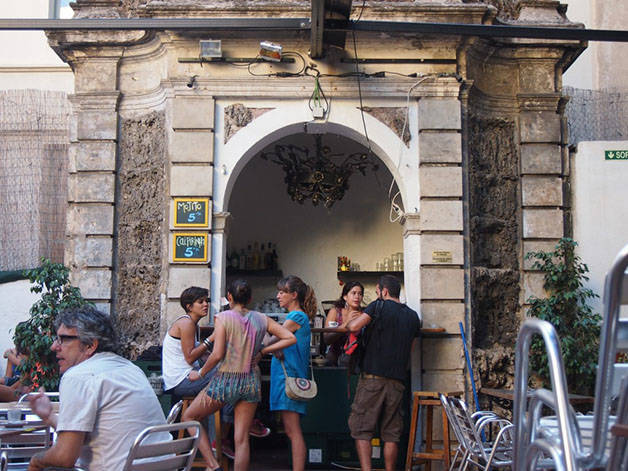antic-teatre terrace