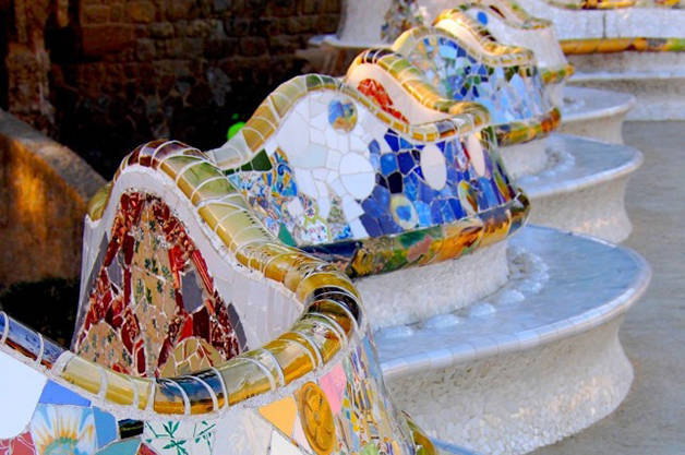 Parc Güell, history and secrets bench colours