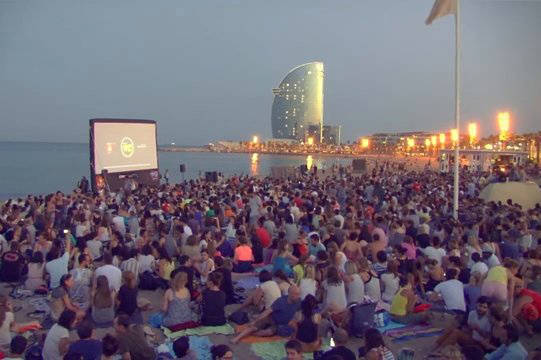 cinema lliure cinema on the beach free activities