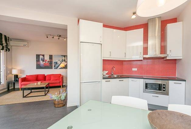 renting an apartment Barcelona living room