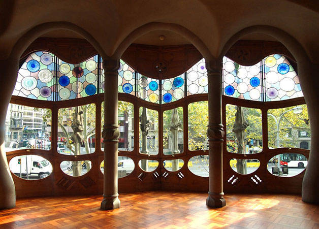 glass casa batllo architecture in Barcelona