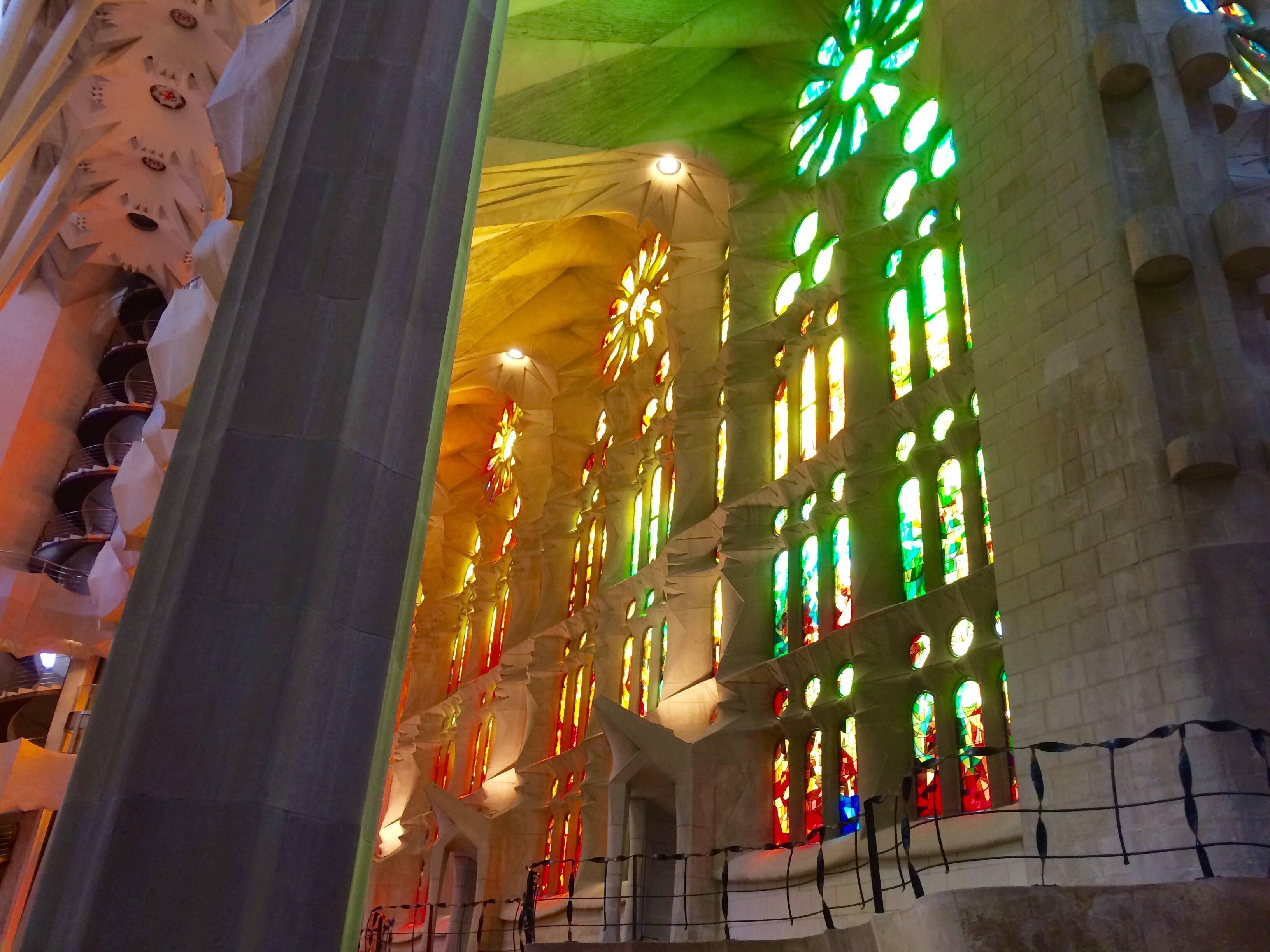 Sagrada familia and gaud a calm and comfortable guided tour - Sagrada familia interieur ...