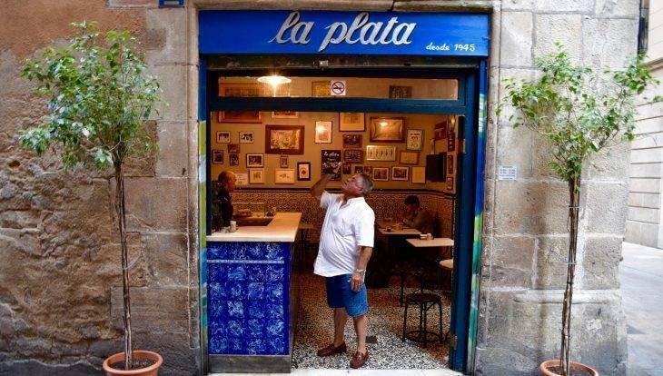 Authentic tapas bars on the Carrer de la Mercè in the ...